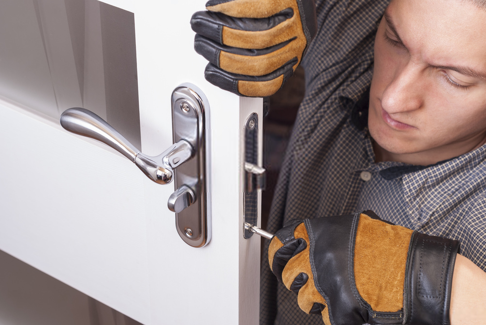 Looking for front door lock replacement? A certified residential locksmith in Houston can help
